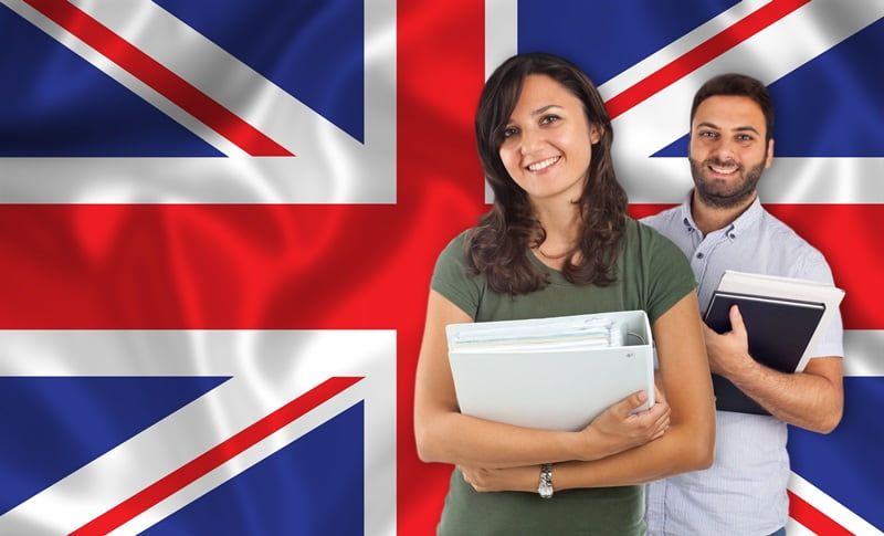 7 Reasons for Arab Students to Study in the UK