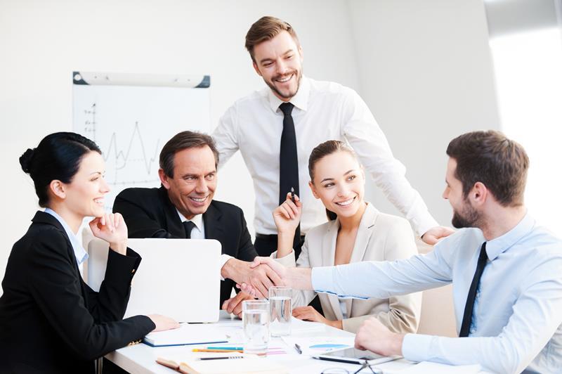 أفضل 10 برامج ماجستير في إدارة الأعمال في امريكا